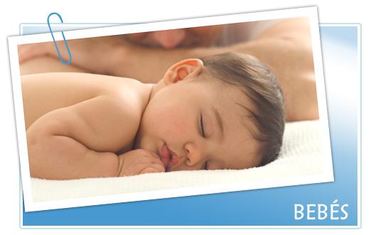 Un bebé de 1 mes, relativo a su régimen de vida y su alimentación