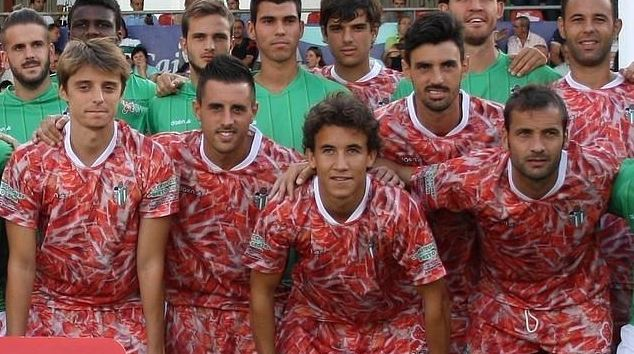 Top 10  Camisetas más feas y extravagantes del Fútbol en España ... d86567c9f2ff3